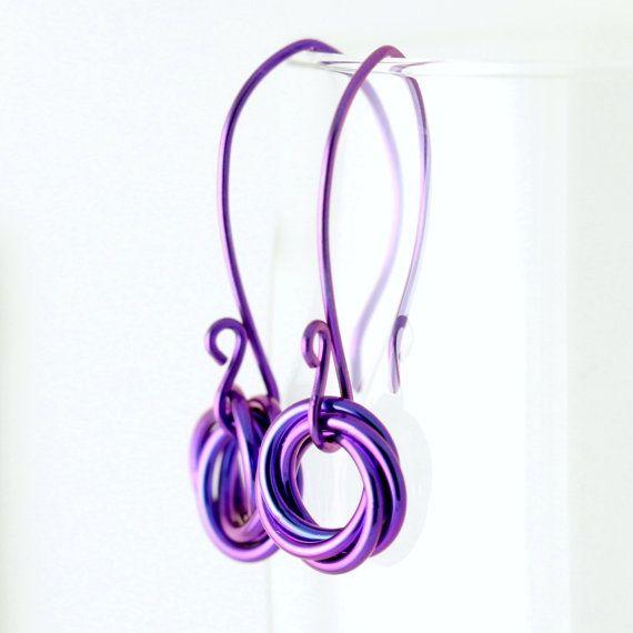 Niobium earrings in bright purple tones, chainmaille ...
