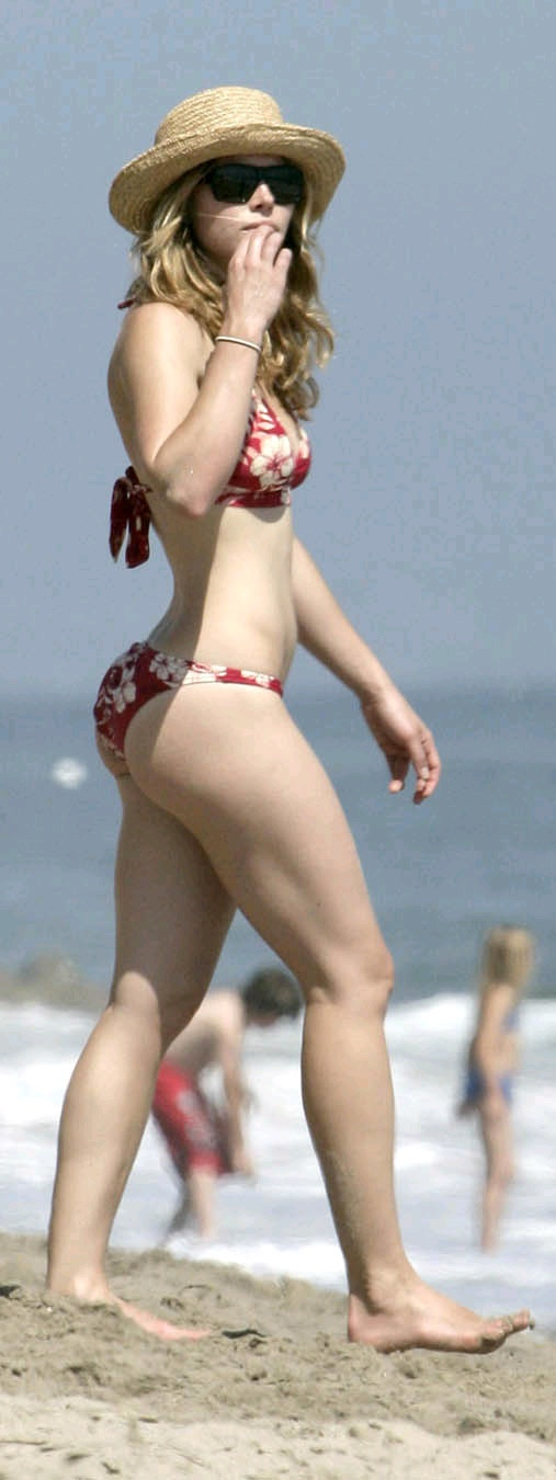 jessica biel lovely women in bikinis lingerie or casual clothes