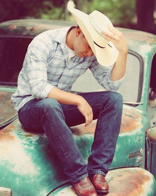 Senior Picture Ideas In The Country: Senior Picture Ideas
