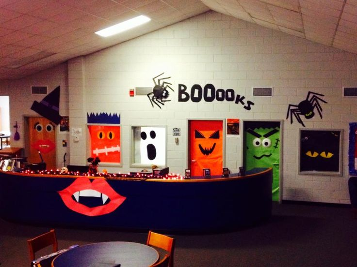 2013 library display Halloween  Reading & school library  ~ 114026_Halloween Decorating Ideas Library