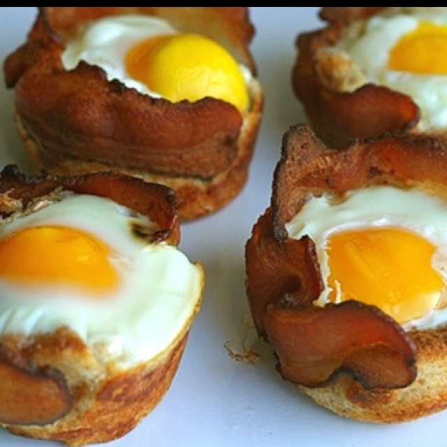 Bacon, Egg, and Toast Cups | Foooood | Pinterest