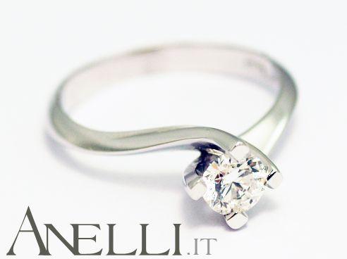 http://www.anelli.it/it/anelli-solitario/anello-solitario-0-38-carati-colore-f-purezza-vvs1.html