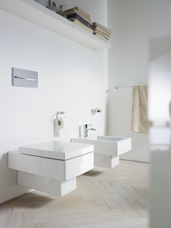 Toilets with economical water consumption: Thanks to ongoing research and development, Duravit is able to offer toilets that flush hygienically using just six, four and a half or even less water.