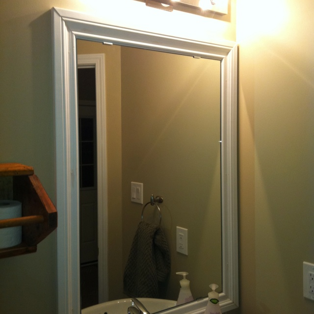 Trim around bathroom mirror of great ideas how to for Molding around mirror bathroom