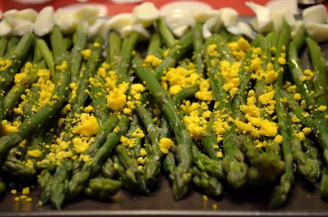 Asparagus mimosa | Food | Pinterest