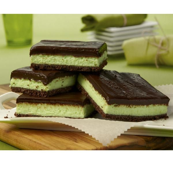 Créme de Menthe Bars are tempting homemade treats that are wonderful ...