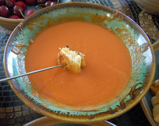 Grilled Cheese Bites and Tomato Soup Fondue