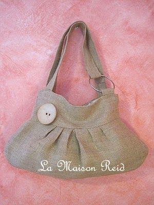 Burlap Bag (Tutorial: http://lamaisonreid.blogspot.com/2010/08/burlap-purse-with-shabby-rose.html )