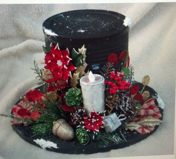 Tin can and a record and christmas decor it 39 s beginning for Decorating tins for christmas