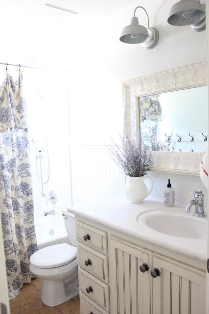 French Farmhouse Bathroom Diy Home Decor Ideas Pinterest