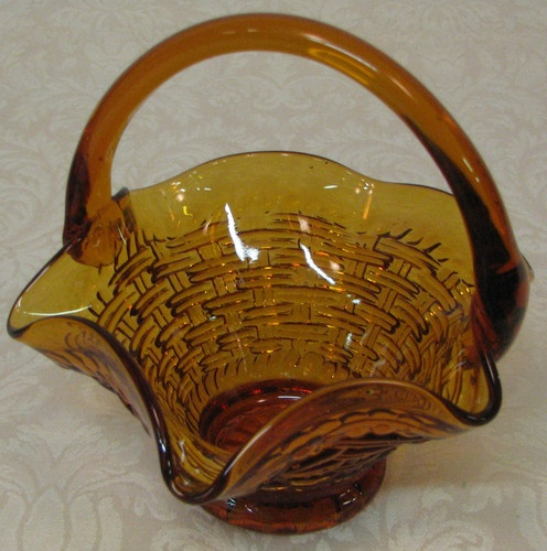Basket weaving glass : Amber glass basket candy dish ruffled edging weave