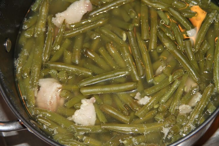 Deep South Dish: Old Fashioned Slow Stewed Southern Green Beans#more