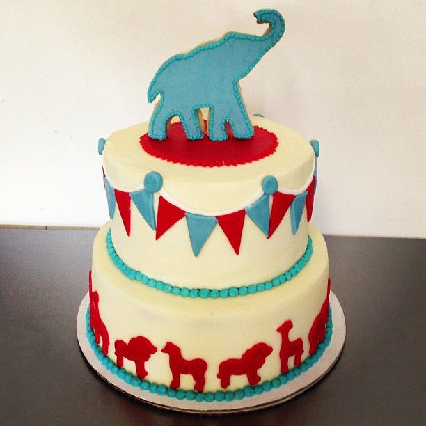 Circus themed baby shower cake #showercakes #babyshowercakes # ...