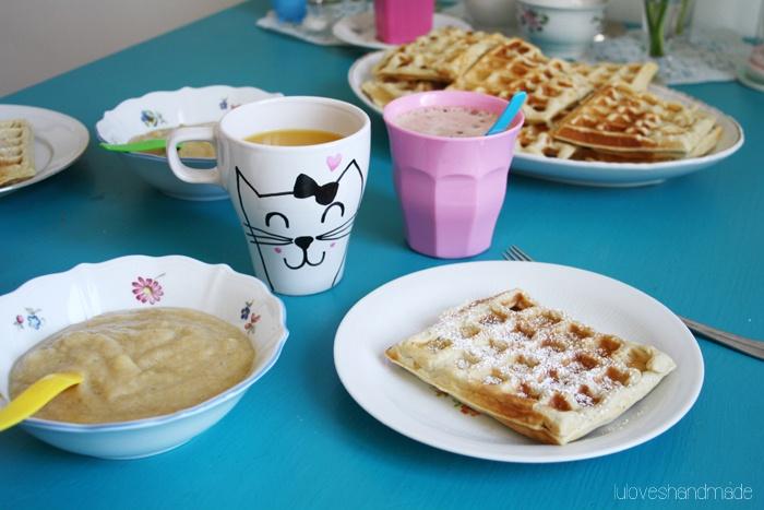 Recipe for hazelnut waffles via Luloveshandmade.blogspot.com