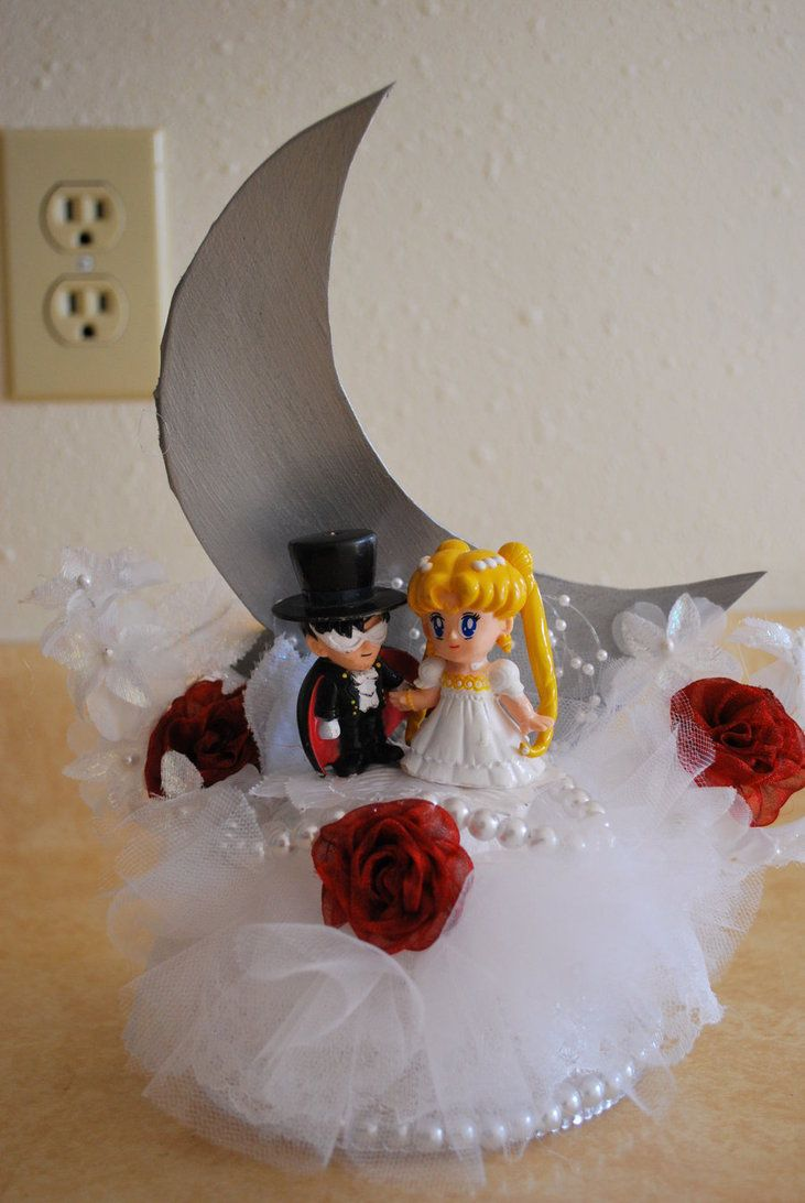 Sailor Moon Wedding Cake Figures
