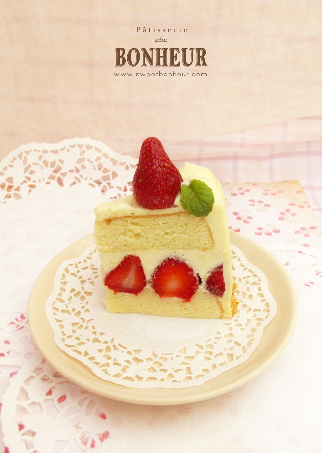 Japanese Strawberry Shortcake ♥ | Japanese cakes | Pinterest