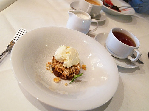 ... Ice Cream - http://www.gucciwealth.com/apple-crumble-with-vanilla-ice