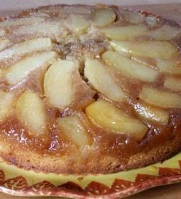 Apple-Cinnamon Upside Down Cake #recipe #fall #dessert from RecipeGirl ...