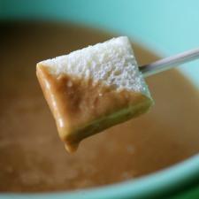 Irish Cheddar And Stout Fondue Recipe — Dishmaps