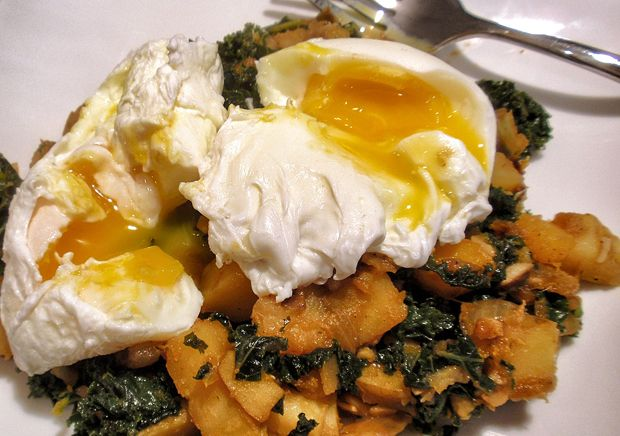 Winter vegetable breakfast hash. Super yummy, and really healthy ...