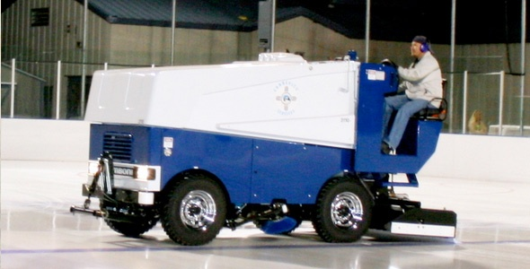 Backyard Rink Zamboni : Canadian Hockey Fan Buys Zamboni for Backyard Rink