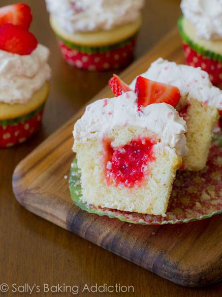 Sallys Strawberry Shortcake Cupcakes | cakes & cupcakes | Pinterest
