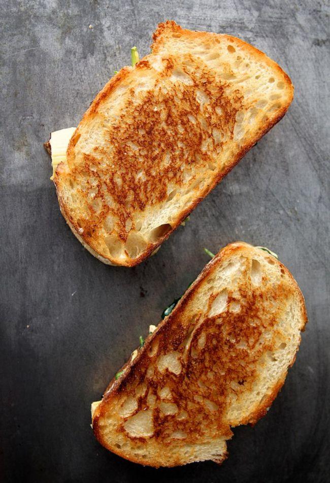 Spinach & Artichoke Grilled Cheese | vegetarian yummies | Pinterest