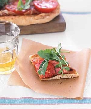 Grilled BLT Pizza Featured on http://food2fork.com/F2F/recipes/view ...