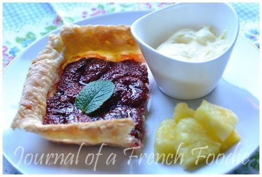 Warm strawberry tart with lemon mousse