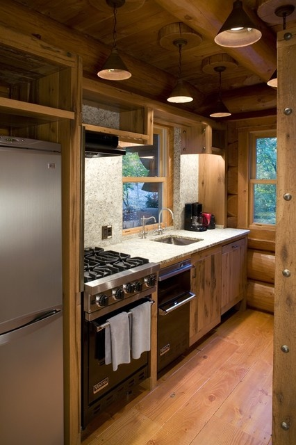 Cute Tiny Rustic kitchen In love with tiny homes Pinterest