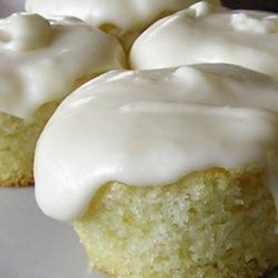 Simple White Cake - Yummyship
