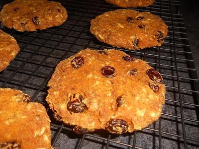 Czech Vegan (in America): Healthy Carrot Raisin Cookies