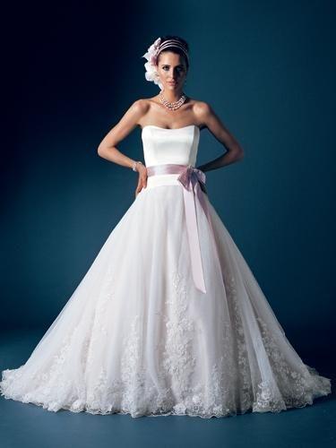big breast wedding dress