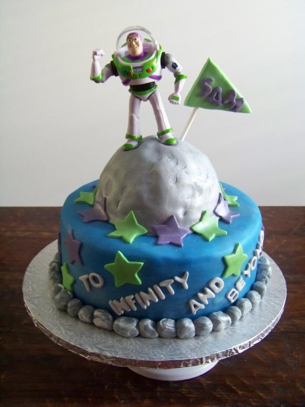 Buzz Lightyear space birthday cake