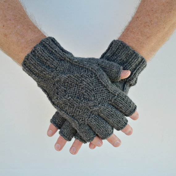 Mens Fingerless Gloves Knitting Pattern Free : Mens fingerless gloves Town
