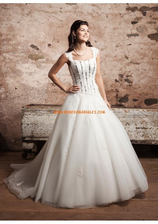 Belle robe de mariée princesse 2013 tulle avec bretelles