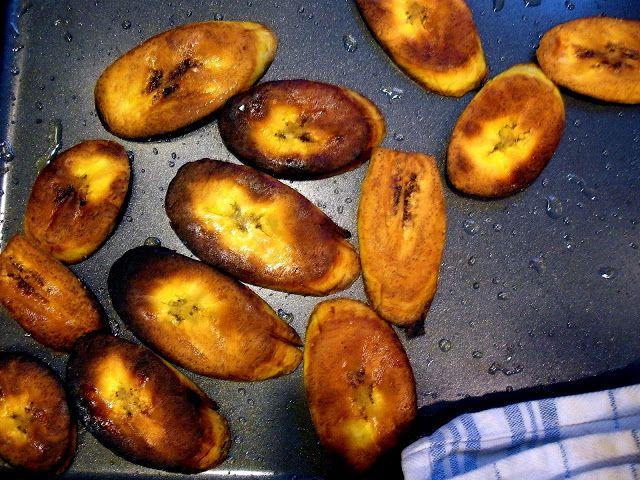 Two Blue Lemons: Tostones - Baked Plantain Chips