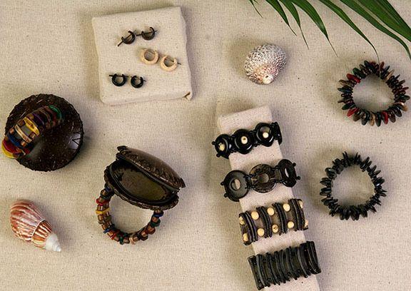 Natural Artist - Coconut Bracelet - Calista, $16.00 (http://naturalartist.com/coconut-bracelet-calista/)