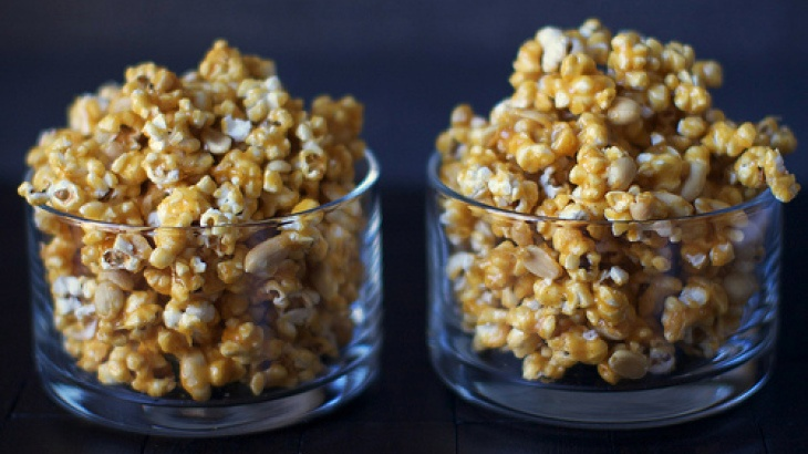 Spicy Caramel Popcorn | Food and Libations | Pinterest