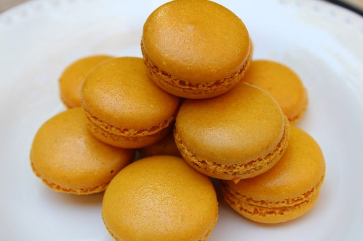 pumpkin macarons | Macaroons | Pinterest