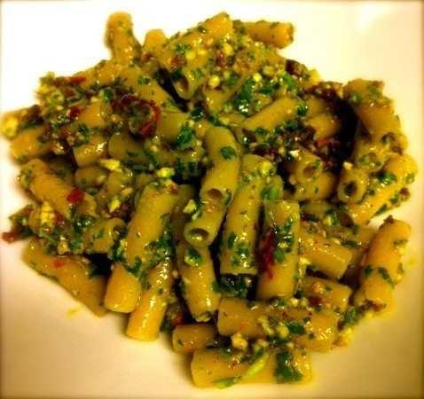 pasta with arugula & sundried tomato hemp pesto