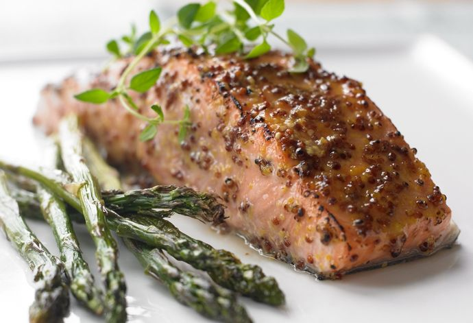 Balsamic-glazed Salmon and Asparagus | bcliving