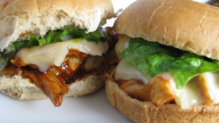 BBQ Ranch Shredded Chicken Sliders (can use shredded pork or beef also ...