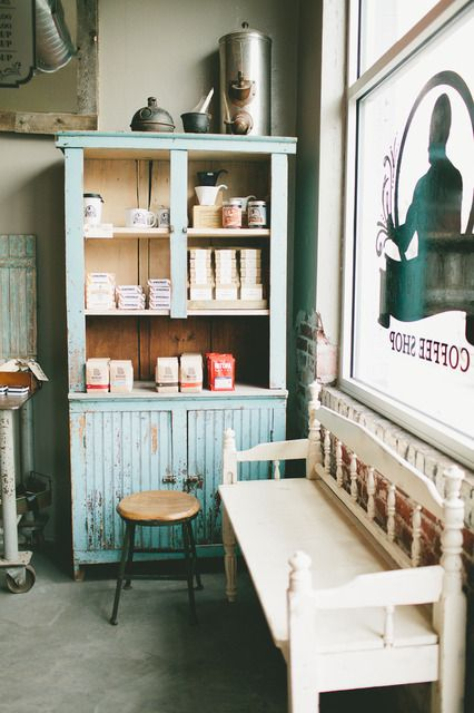 (via : Ali & Dustin's Reinvented Coffee Shop :...