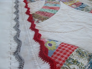 alipyper: Chevron Stripe Crocheted Pillowcase Tutorial