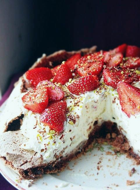 Notions & Notations of a Novice Cook • Chocolate Pavlova with Strawberries.