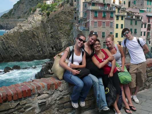 Florence Summer Abroad Program: students on the Italian coast