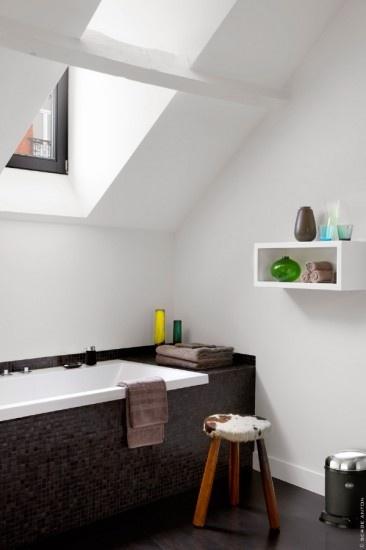 Bad bekleed met mozaiek tegels.  Home - Bathroom  Pinterest