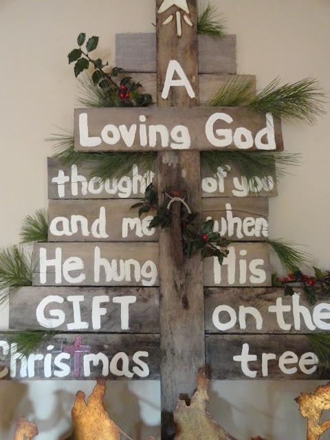 Pallet christmas sign christmas pinterest for Pinterest pallet christmas ideas