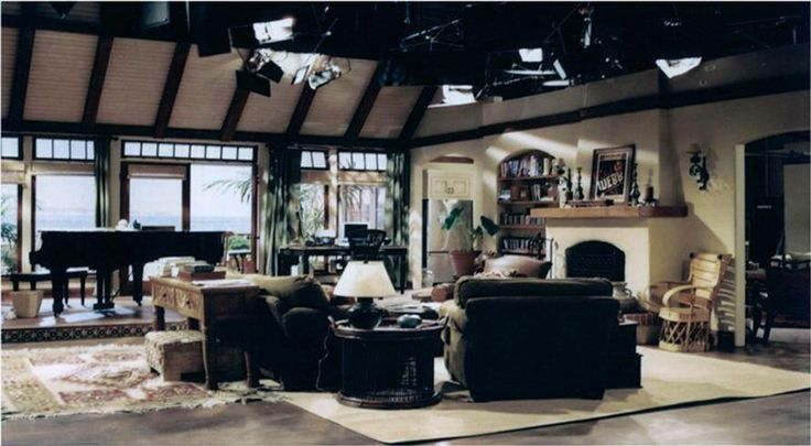 Pin By Objects Fine Set Decorations On Tv Shows Pinterest